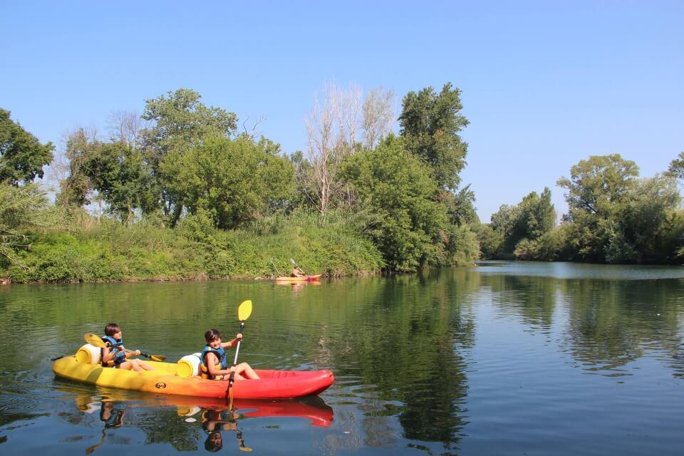 http://www.kayak-paddle-frejus.fr/wp-content/uploads/2017/06/canoe-kayak-on-paggaie.jpg